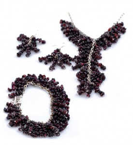 Adzo grapevine garnet set